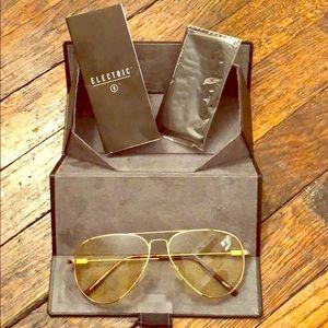Accessories - Sunglasses (unisex) amber/ gold tint